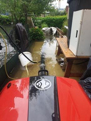 FW-EN: Wetter - Feuerwehr Wetter (Ruhr) seit Mittwochnachmittag im Dauereinsatz