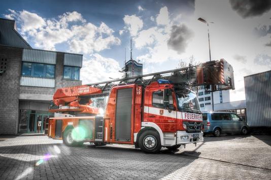 FW-NE: Katzenrettung | Nächtlicher Ausflug durch Feuerwehr beendet