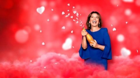 """Stößchen! Champagnerlaune bei Claudia Obert in der Free-TV-Premiere von """"Claudias House of Love"""" – ab Dienstag um 20:15 Uhr in SAT.1"""