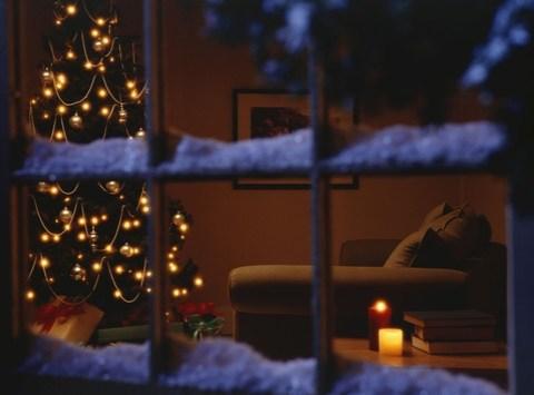 Expertentipp: Kerzen, Bäume, Lichterglanz – Brandschäden während der Feiertage vermeiden