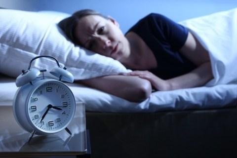Schlafstörungen & Corona / Jeder Vierte Corona-Gestresste schläft schlecht – pflanzliche Arzneimittel mit belegter Wirksamkeit können helfen