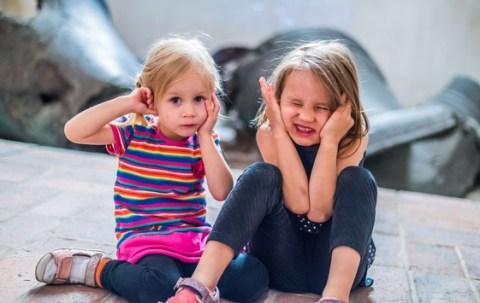 Lautes Spielzeug kann Gehör schaden / Keine Krachmacher für Kinderohren