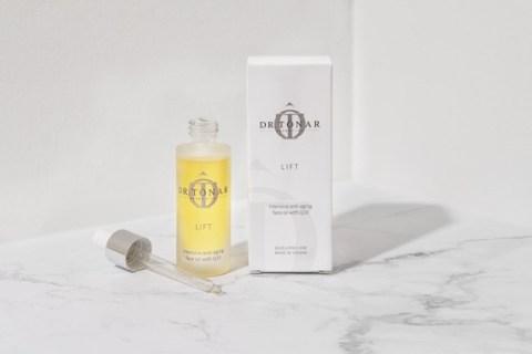 Gamechanger in der Beautyroutine: Dr. Tonar Cosmetics präsentiert Beauty-Öl LIFT