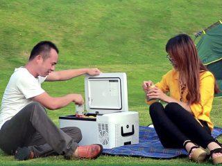アイスが溶けない持ち運び可能な冷凍冷蔵庫が便利そう