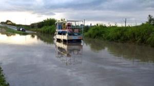 Силен дъжд унищожи улиците и наводни скрапа