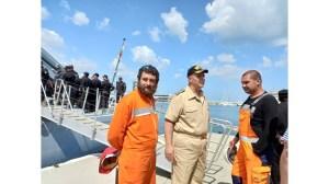 Разследвайки снимки на причините за смъртта на майор Терзиев, морското дъно, осеяно с МиГ-29, остана