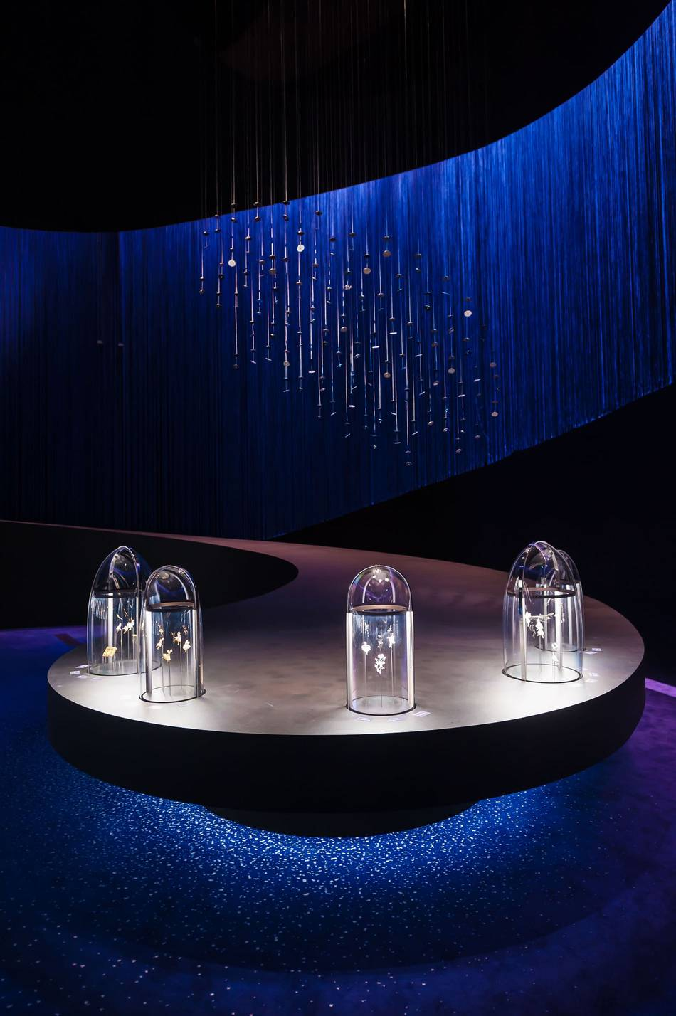 Van Cleef Amp Arpels Presents The Art And Science Of Gems In