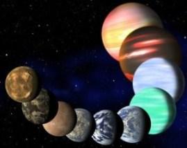 Los astrónomos que buscan planetas como la Tierra ahora tienen muchos lugares dónde buscar. Según un nuevo cálculo en un estudio dado a conocer el lunes dice que una de cada seis estrellas en nuestra galaxia tiene en órbita un planeta de tamaño similar al de la Tierra, lo que significa que hay por lo menos 17.000 millones de planetas parecidos al nuestro. Empero, no significa que esos planetas sean habitables, pero es un punto de partida esperanzador para los científicos que buscan mundos como el nuestro. Dos grupos independientes obtuvieron cálculos similares tras un nuevo análisis de los datos aportados por el telescopio Kepler de la NASA, lanzado en el 2009 para seguir el movimiento de otros planetas. Las conclusiones fueron presentadas el lunes en la Sociedad Astronómica Estadounidense de Long Beach, en California. Un equipo dirigido por Francois Fressin, del Centro para Astrofísica Harvard-Smithsonian, calculó que al menos una de cada seis estrellas tiene un planeta de tamaño similar a la Tierra orbitando a su alrededor. Mediante un método diferente, investigadores en la Universidad de California, en Berkeley, y la Universidad de Hawái determinaron que 17% de las estrellas albergan planetas que tienen entre uno y dos veces el diámetro de la Tierra. El objetivo ha sido desde hace tiempo descubrir un planeta de tamaño similar a la Tierra situado en la llamada zona Ricitos de Oro, un margen que no es demasiado caliente ni demasiado frío, y donde podría haber agua en forma líquida. Read more here: http://www.elnuevoherald.com/2013/01/08/1379000/millones-de-planetas-como-la-tierra.html#storylink=cpy