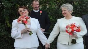 Annise-Parker-contrae-matrimonio-con-su-novia.-300x168