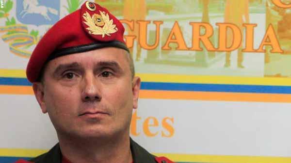 """José Ornella, jefe de la guardia presidencial, dio una entrevista con la agencia AP donde sostuvo que el mandatario """"se inmoló por su país""""."""