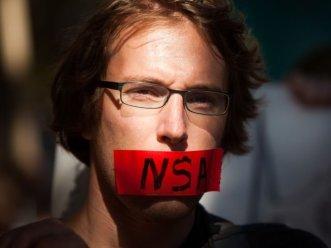 Las últimas informaciones sugieren que la NSA es capaz de interceptar mensajes en las plataformas de Google, Yahoo y Microsoft.