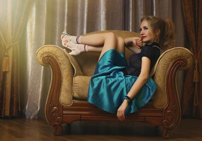 Modne sukienki sprawiają że Panie są i czują sie piękne