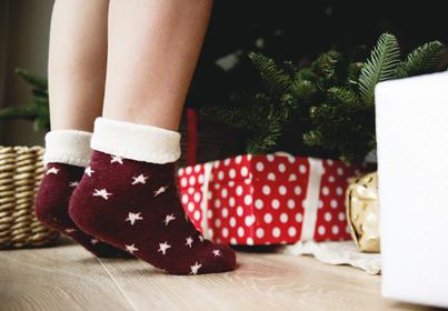 Najlepszy prezent na święta - skarpetki, legginsy, bielizna, pończochu, rajstopy, sukienki, zegarki