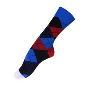 543cfa2f49a650 Niebieskie, czarne, czerwone romby – kolorowe skarpetki do garnituru –  wysokie