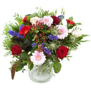 najaarsboeket van rode, roze en paarse bloemen