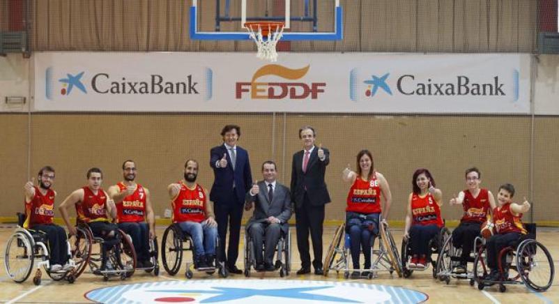 CaixaBank se vuelca con el baloncesto en silla de ruedas