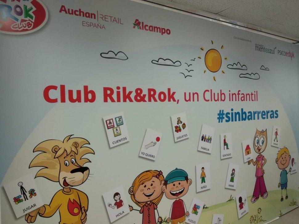 Alcampo incorpora paneles de pictogramas en sus clubes Rik&Rok para facilitar la comunicación con niños con autismo