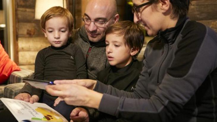 StorySign la app de Huawei para ayudar a leer a los niños sordos