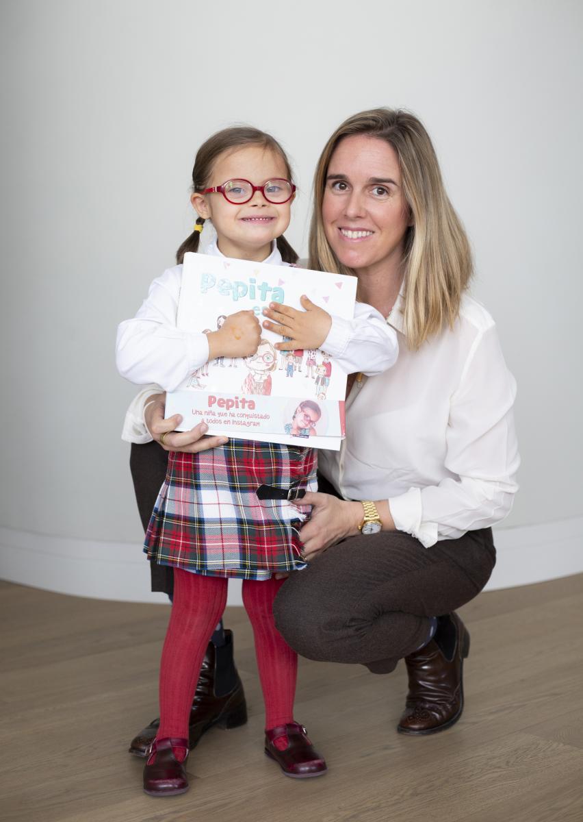 Pepitamola premio Valores del Papel por su concienciación sobre el síndrome de down