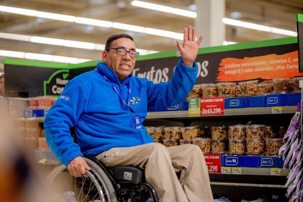 Walmart dará 162 empleos a personas con discapacidad