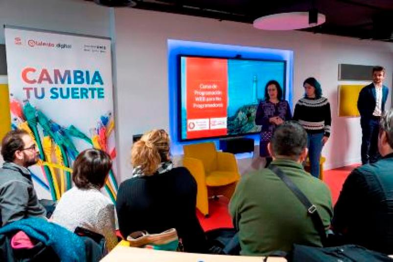 Fundación Vodafone España y Fundación ONCE forman a personas con discapacidad en contenidos digitales y tecnológicos