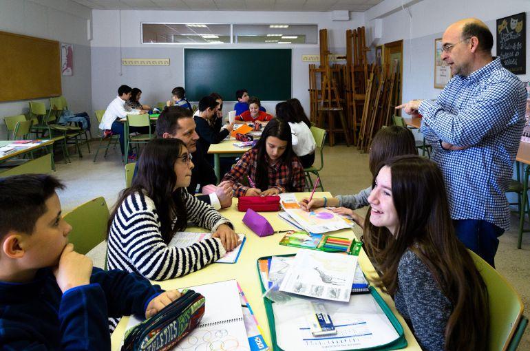 El bilingüismo desplaza a los profesores de dibujo