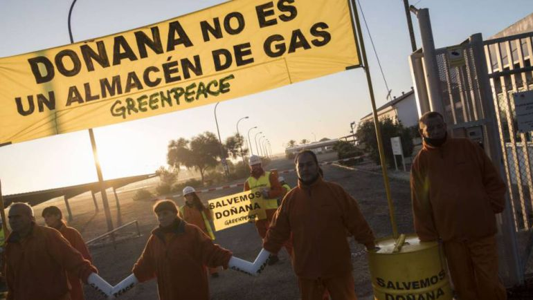 Doñana no es un almacén de Gas. Protesta de Greenpeace.