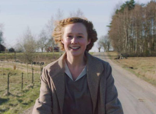 Fotograma de la película 'Conociendo a Astrid', basada en la infancia y juventud de Astrid Lindgren, autora de Pippi Calzaslargas entre otros personajes.