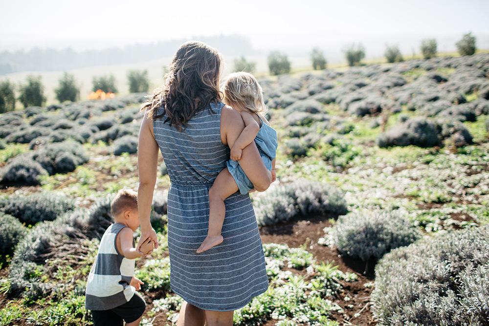 maui family photographer cadence photographs jenna for tropical moms, a series on maui motherhood