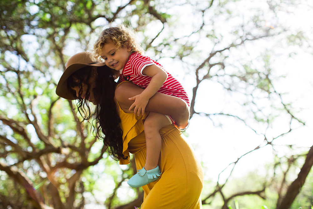 beautiful family photographs with Maui's best portrait photographer, cadence