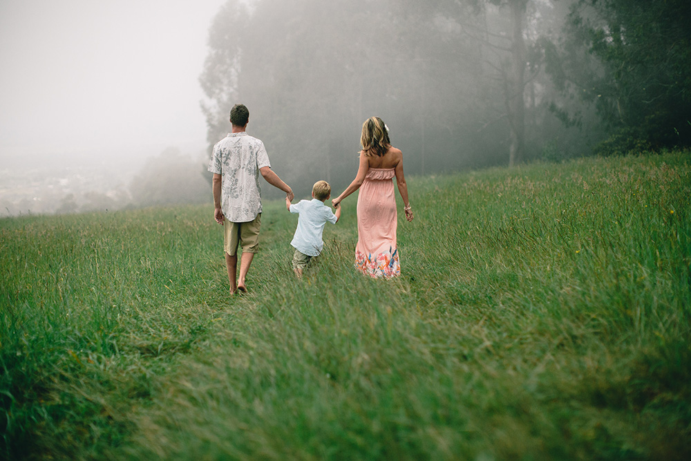 maui family photographer cadencia photography photographs Jaymie and her ohana upcountry.