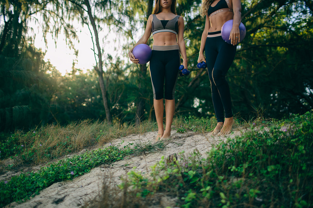 hawaii barre located in paia, maui photographed by cadencia photography. girls are wearing olympia activewear.