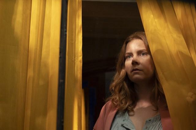 Assista à Amy Adams no trailer de A Mulher na Janela_Easy-Resize.com