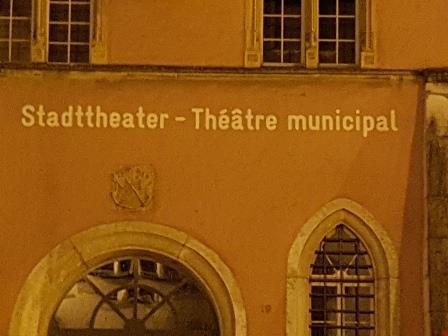 Theater und Sprachfrieden