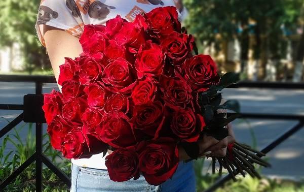 Как-посадить-розу-из-букета