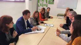 Irene García y David de la Encina en reunión con Autismo Cádiz