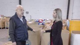 José Serrano y Lucía Trujillo en el Banco de Alimentos del Campo de Gibraltar