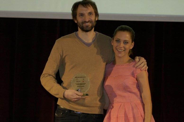 Julián Villagrán junto a María León en 2013