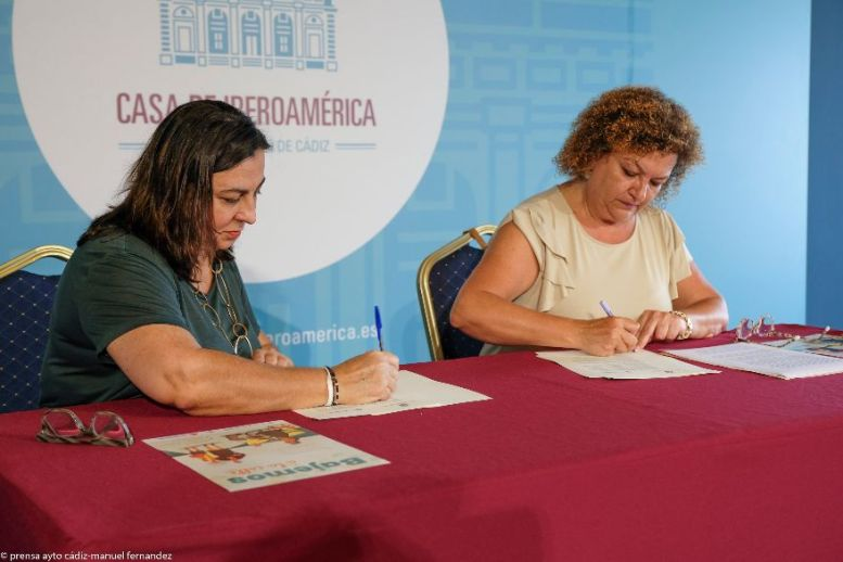 Rosario García y Eva Tubío
