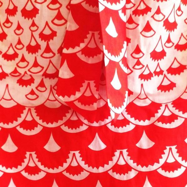 dettaglio tessuto stampato - vestito smanicato anni '60