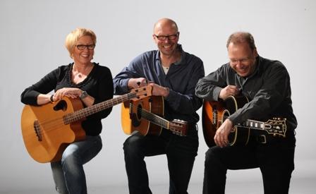 """Chris & Me  und Stefan Jehn – Das ist handgemachte Livemusik im klassischen """"Unplugged""""-Stil"""