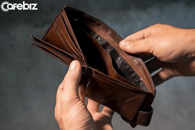 6 mẹo tiết kiệm tiền giúp bạn mua được nhà: Không mua giấy vệ sinh mà dùng vòi xịt, mua thực phẩm cuối ngày...   - Ảnh 1.