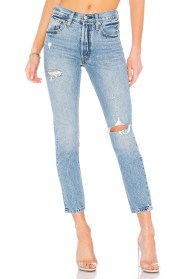 https://www.revolve.com/levis-501-skinny/dp/LEIV-WJ66/?d=Womens&page=1&lc=13&itrownum=5&itcurrpage=1&itview=01
