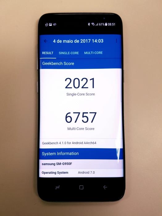 O aplicativo Geekbench 4, que também mede desempenho. Você pode baixar o app na play store e comparar os esses valores atingidos pelo Galaxy S8 com seu smartphone