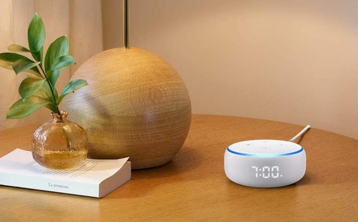 Echo Dot com relógio - Amazon