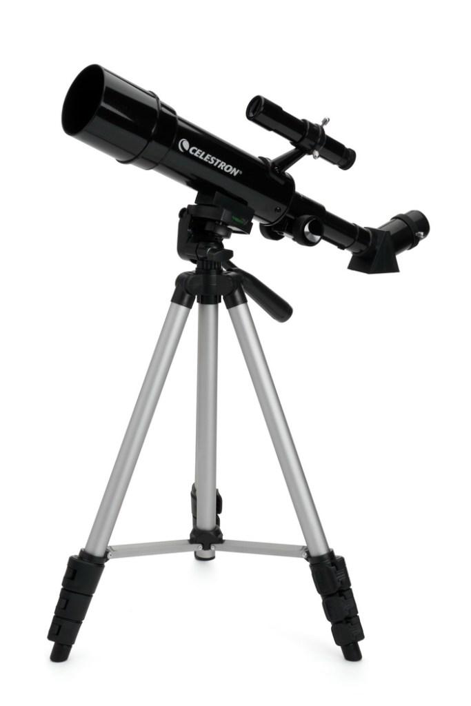21038 Travelscope 50 Portable Telescope 1 683x1024 - Hama propone cinco regalos tecnológicos que no pueden faltar en la carta a los Reyes Magos