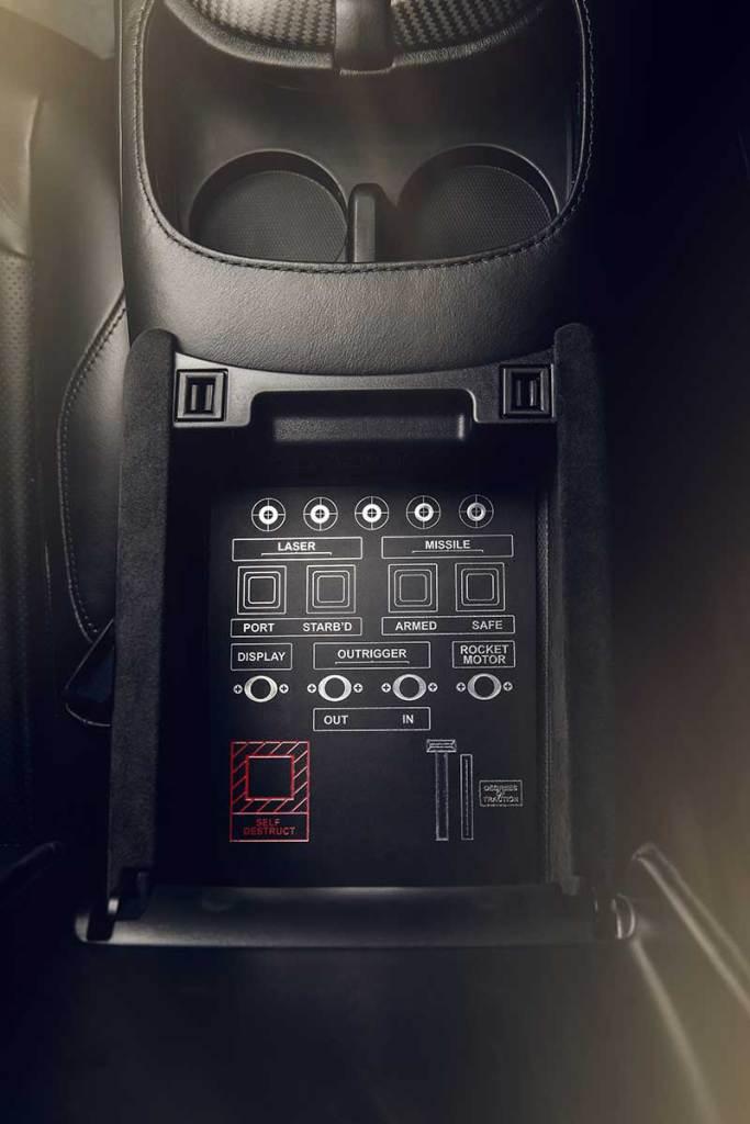 Aston Martin Vantage 007 Edition 13 683x1024 - Aston Martin crea una edición limitada 007 de coches deportivos para celebrar el estreno de No Time To Die