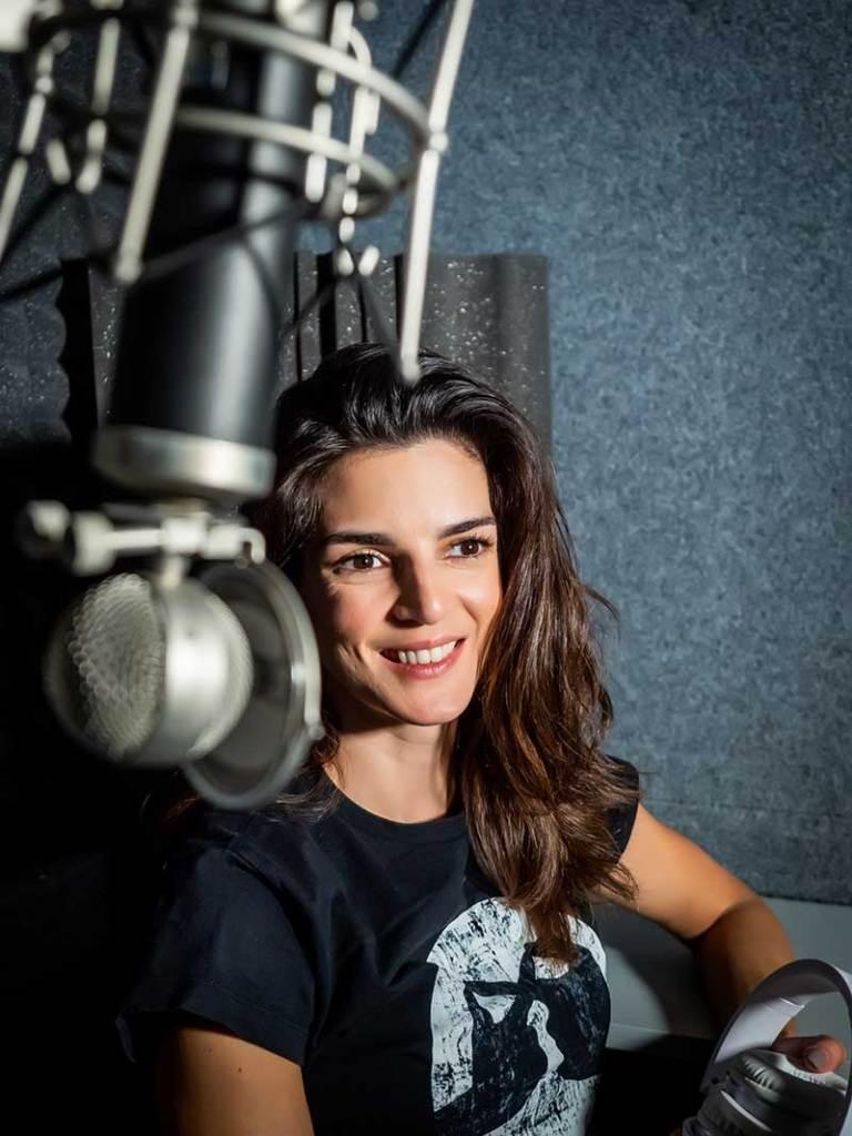 Clara Lago 768x1024 - Clara Lago presenta su primera serie en formato podcast, Silencio en Bhopal