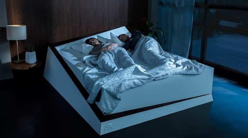 Ford llega a nuestra cama para que no invadamos el carril de nuestra pareja