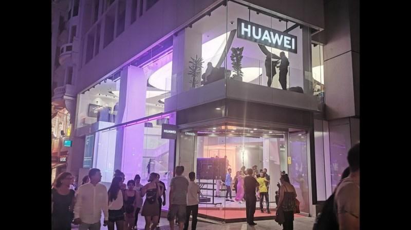 Huawei Store Madrid3 - ¿Aun sin regalo de Reyes? Huawei abrirá el 5 de enero su Tienda Huawei en el centro comercial La Gavia